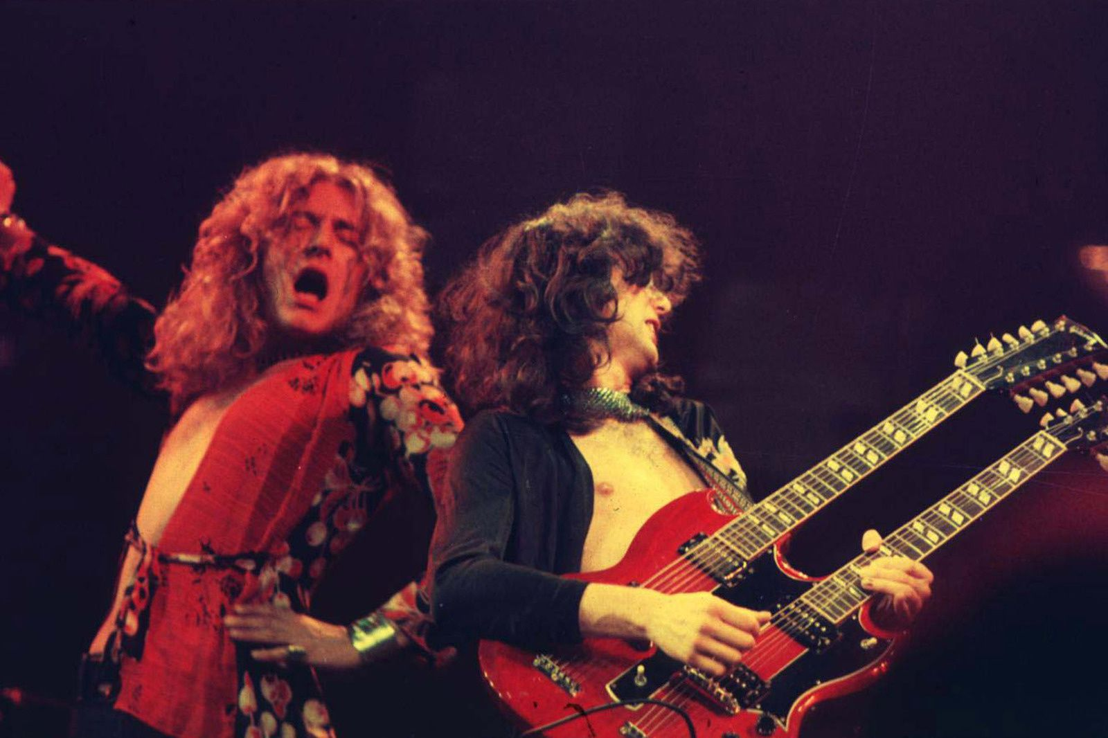 Robert Plant and Jimmy Page of Led Zeppelin playing in Chicago in 1975 - Photo WireImage