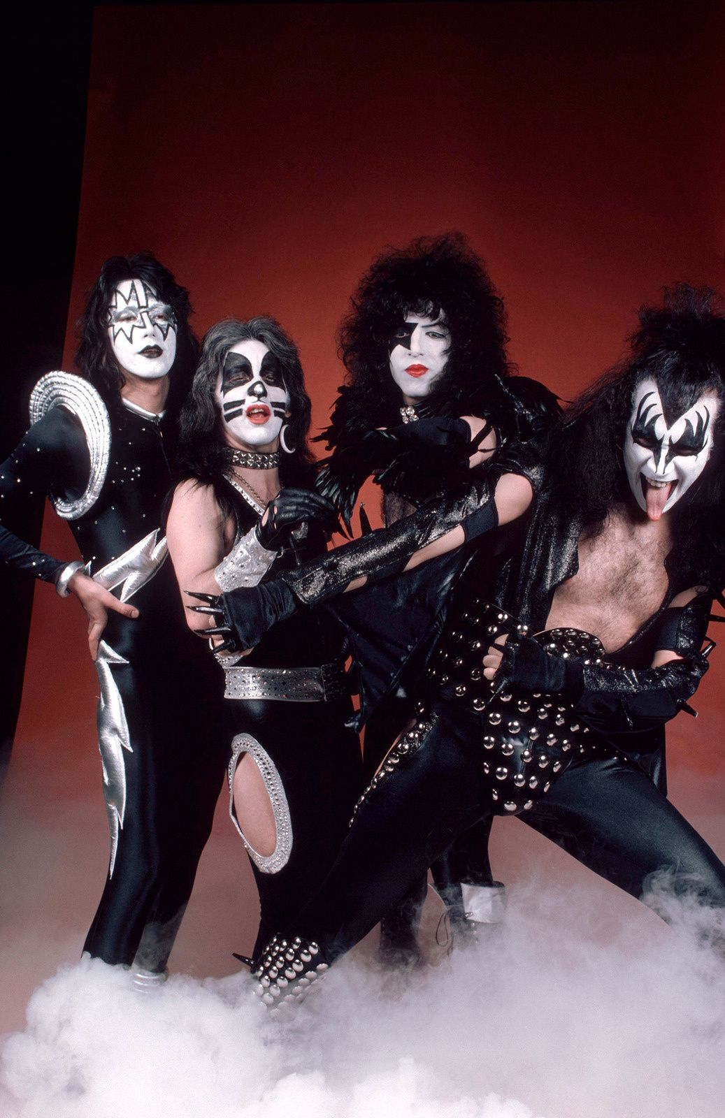Paul Stanley - May 15th, 1975 - Kiss - Alive! Photo Session