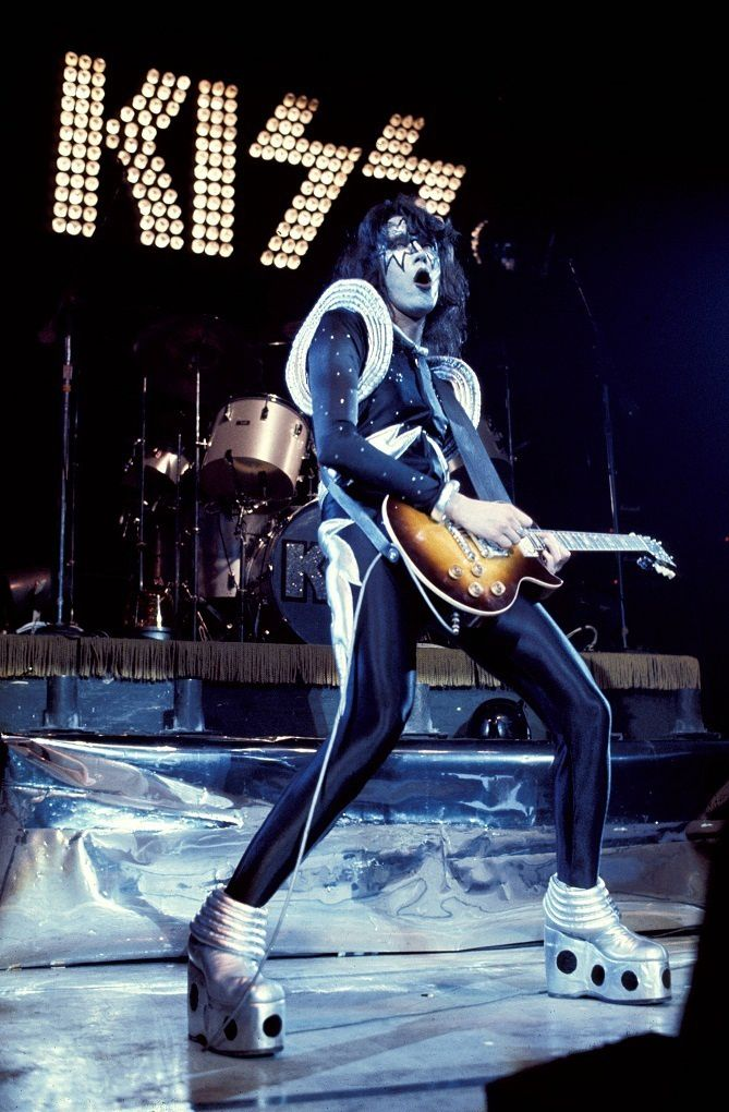 Ace Frehley - May 16th, 1975 - KISS, Dressed to Kill Tour