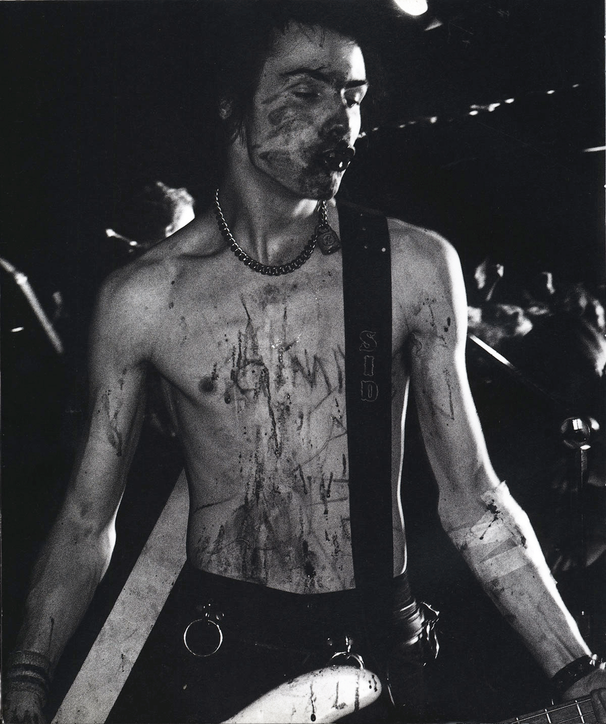 Sid Vicious on stage