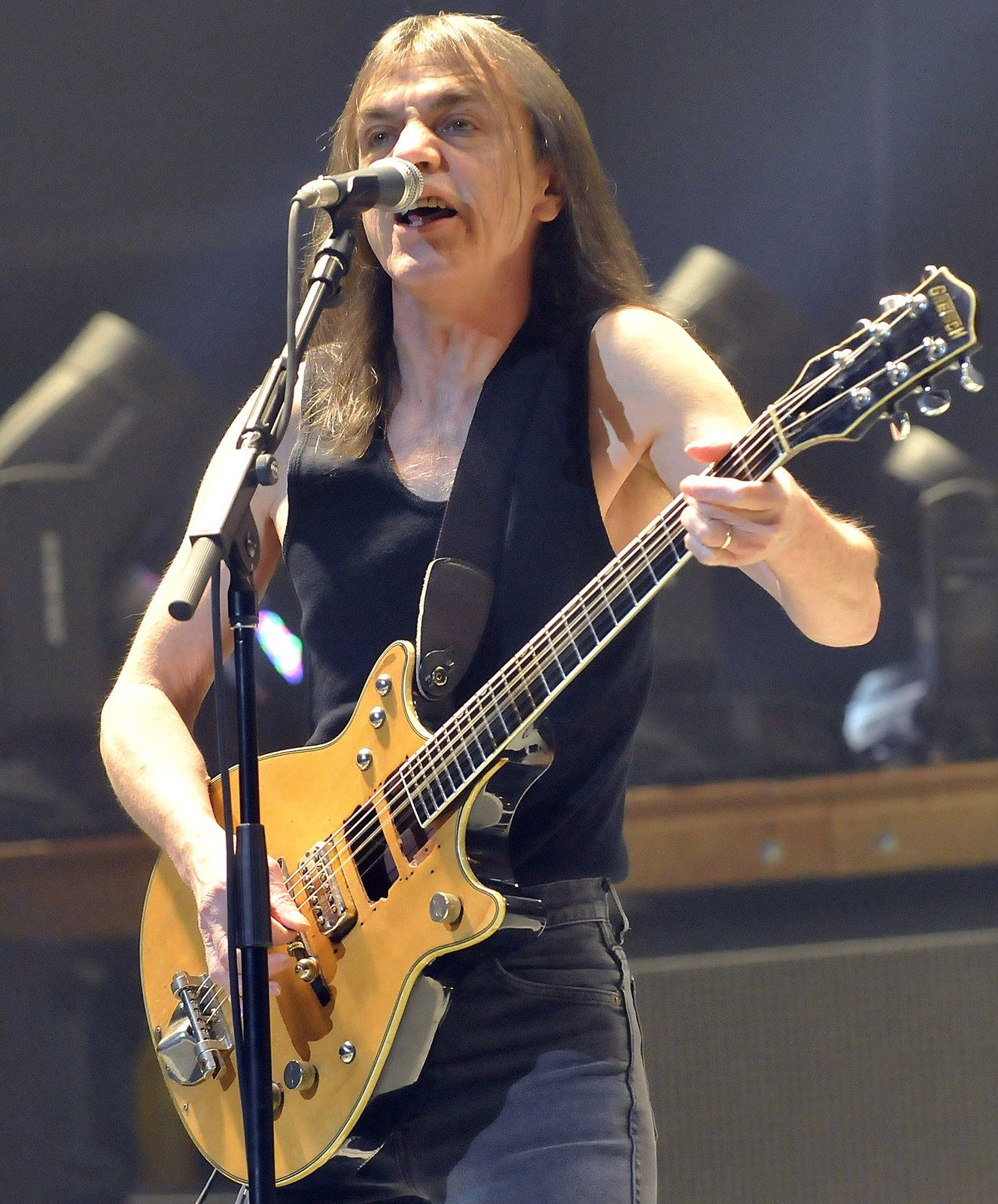 2008: Malcolm Young performs during the band's Black Ice Tour at MSG - Photo: Kevin P. Coughlin (NY Post)