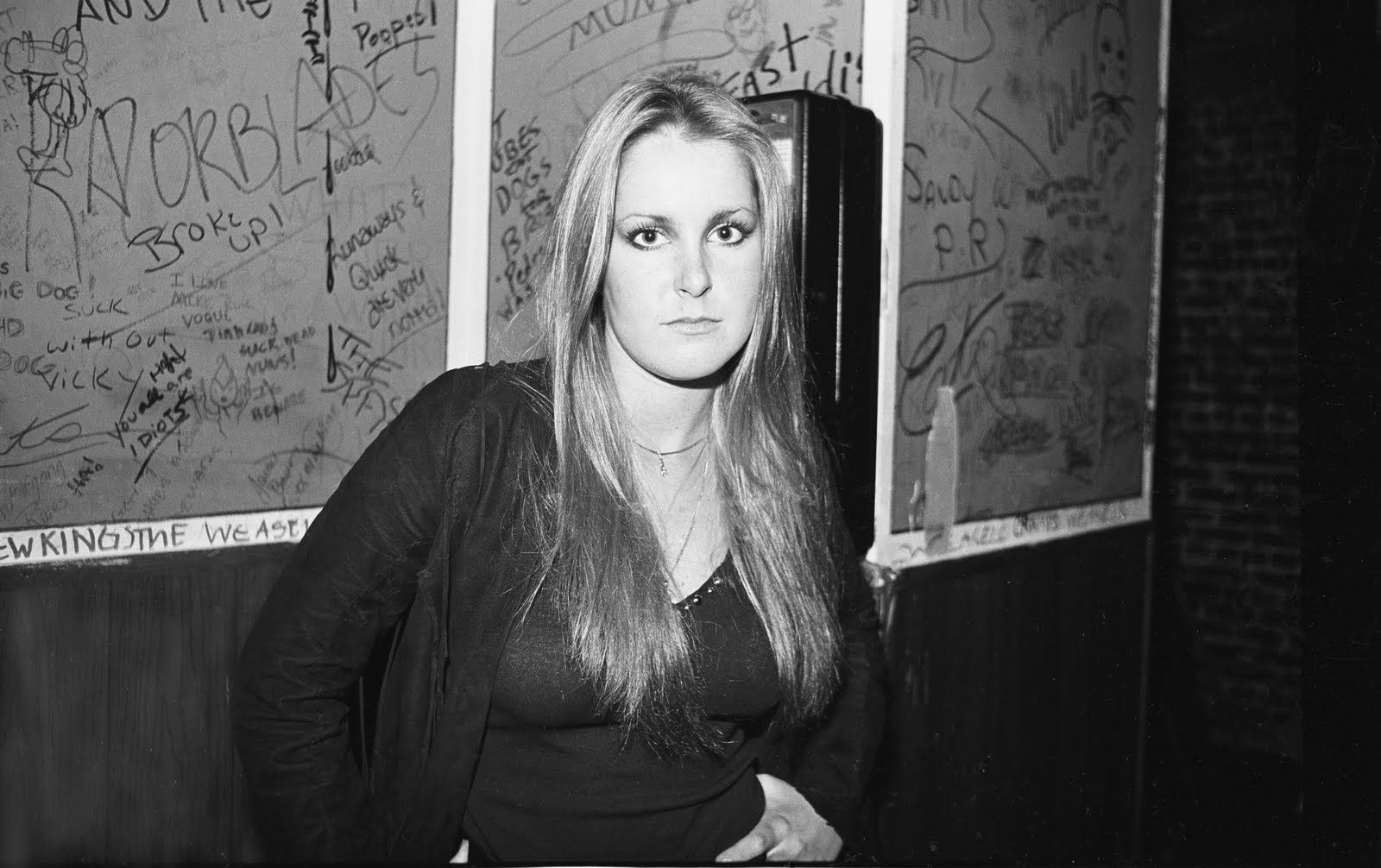 Lita Ford - The Runaways Back stage at the Whiskey, 1977-78