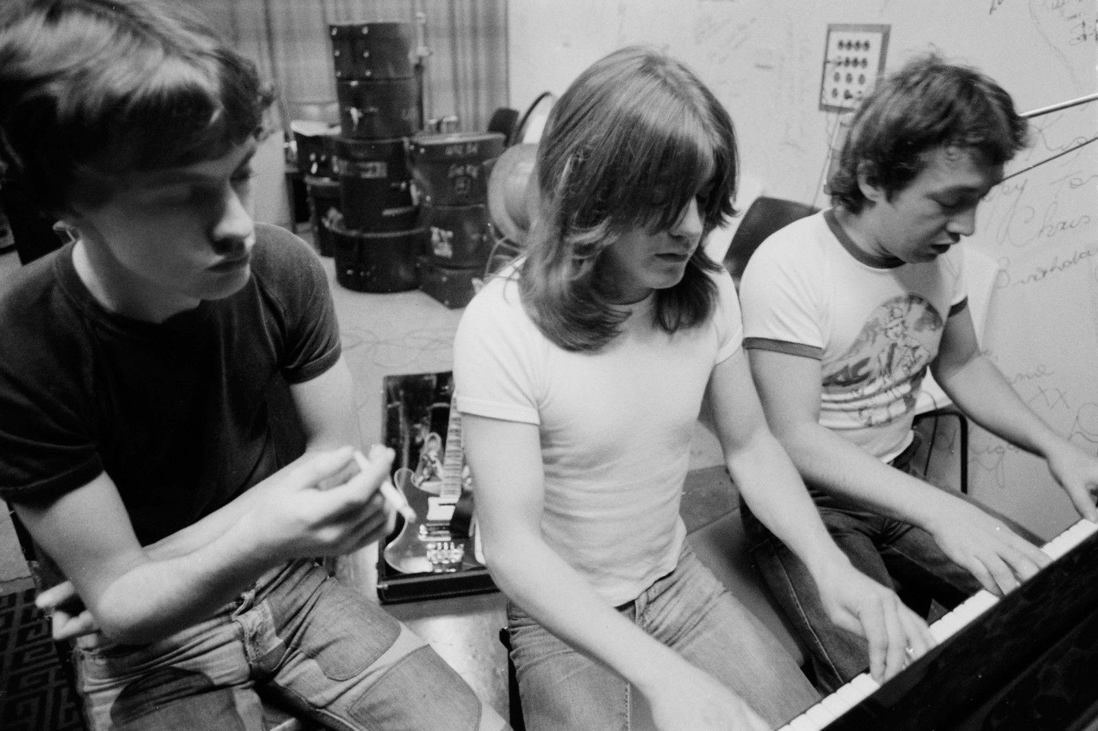 1973: The Young Brothers – From left to right  Angus Young, Malcolm Young, George Young - Photographer: Philip Morris