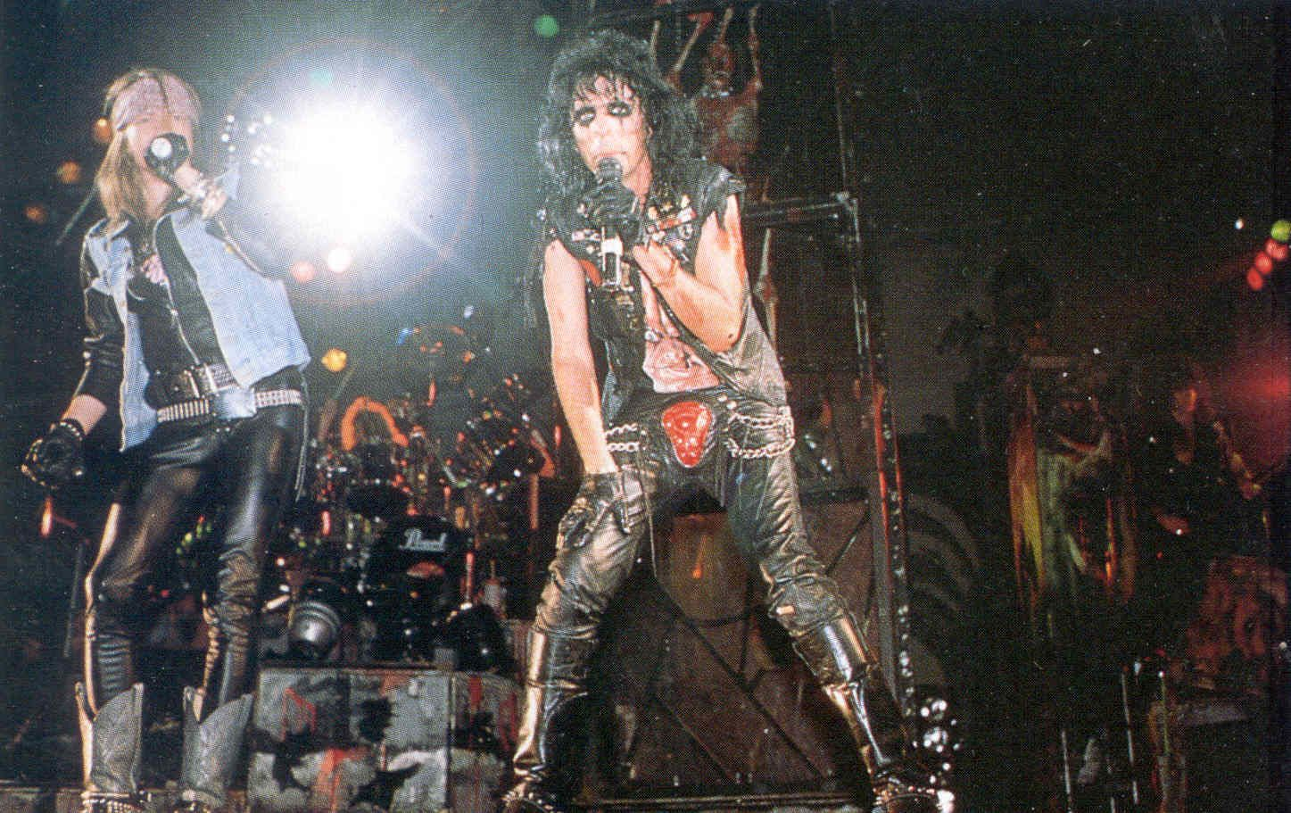 Alice Cooper & Axl Rose on stage