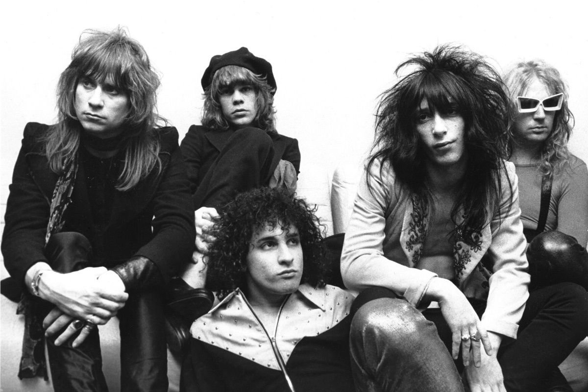 Johnny Thunders,  guitarist for the New York Dolls (second from right) Photo Chris Walter/Wire Image