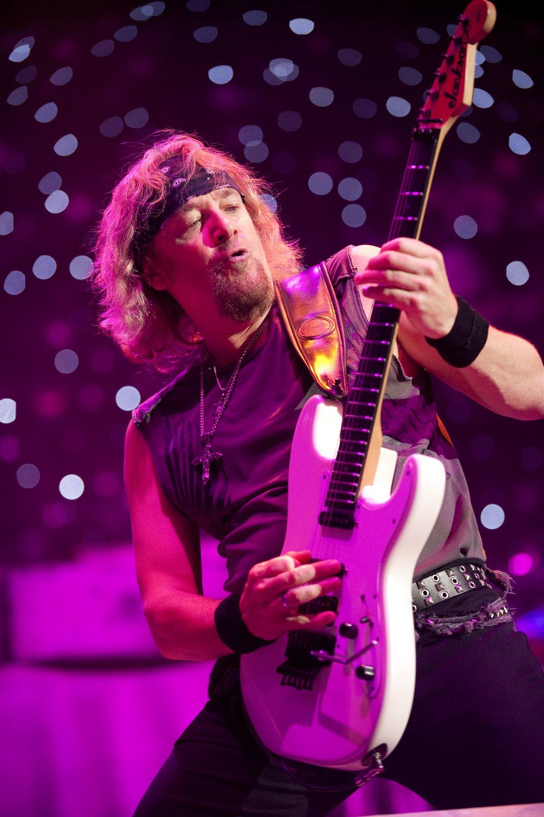 Adrian Smith on stage, Iron Maiden