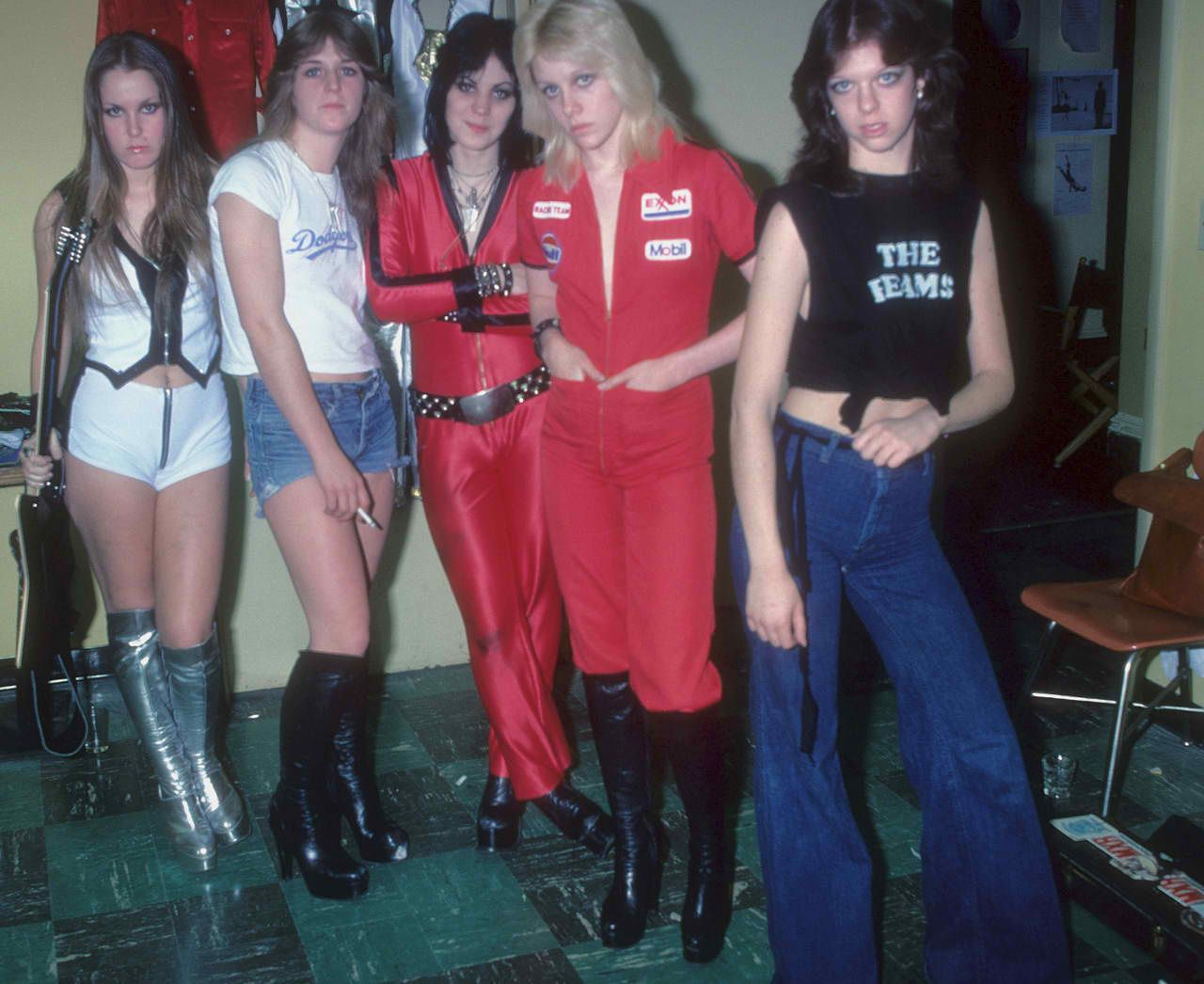 Jackie Fox, Lita Ford, Sandy West, Cherie Curie and Joan Jett