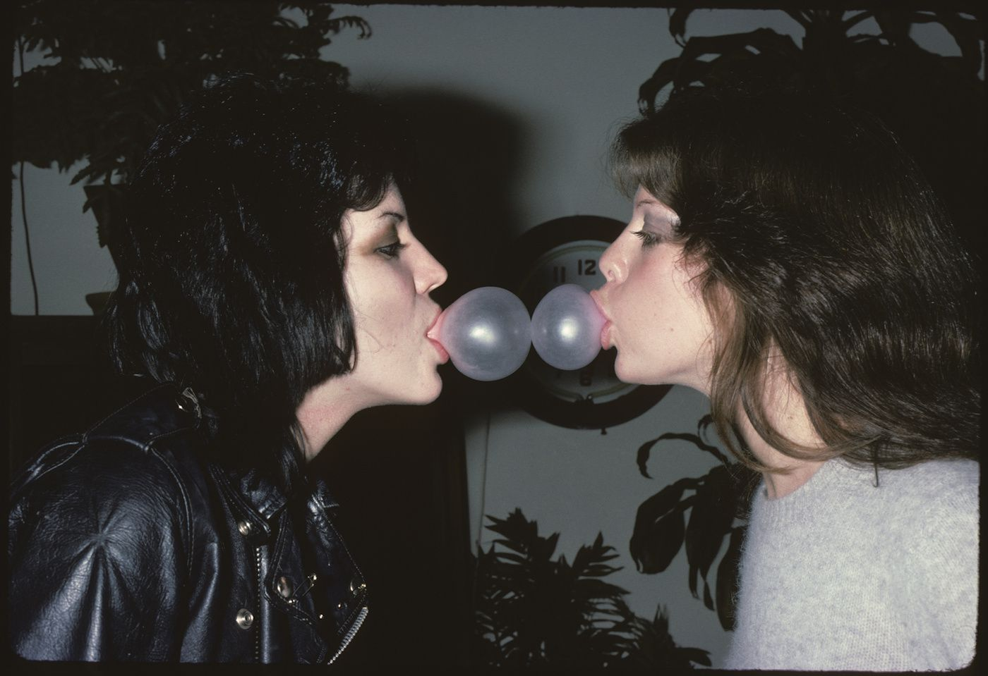 Jackie Fox Blowing Tremendous Bubbles With Joan Jett - credit: Brad Elterman