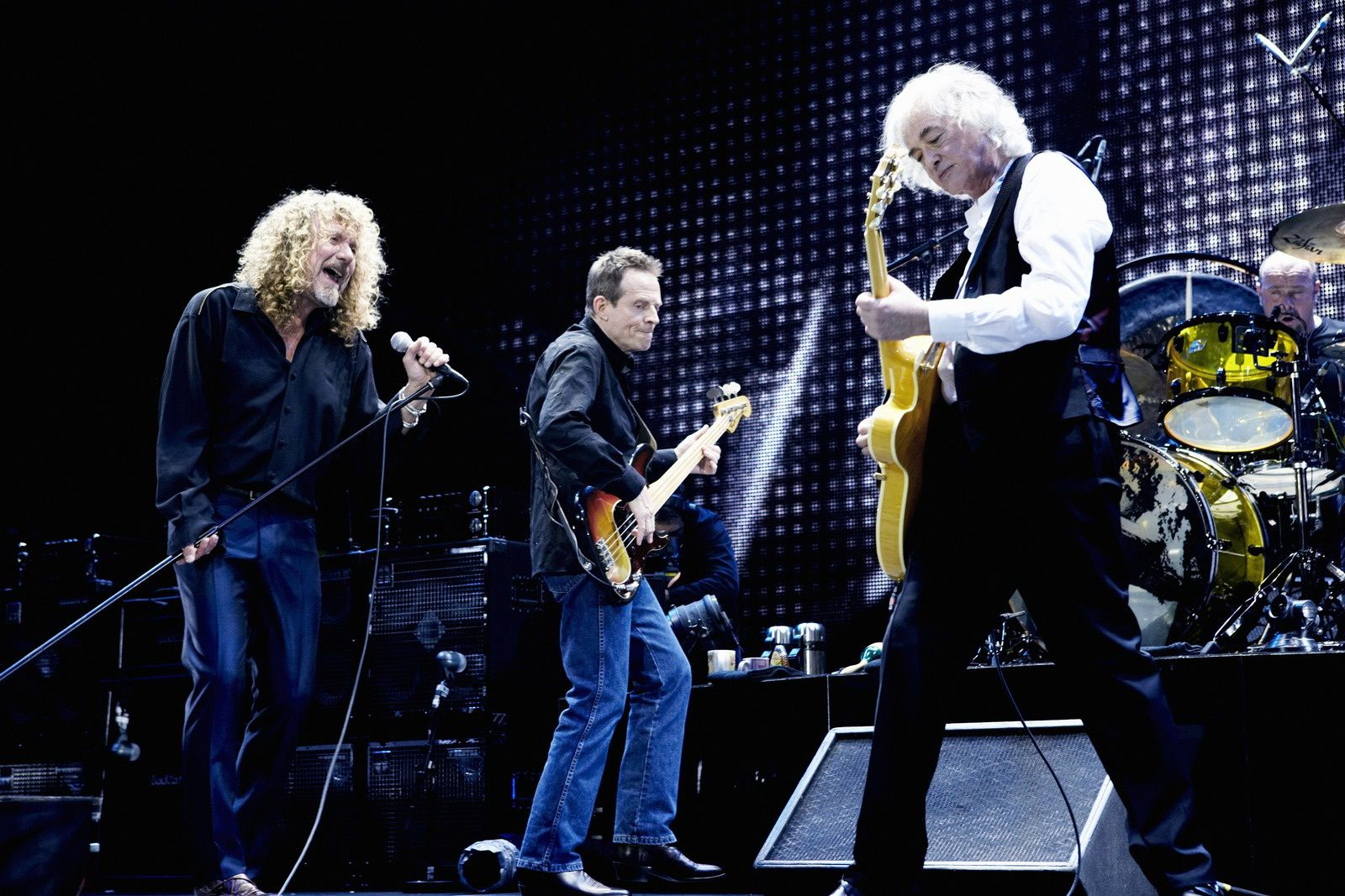 John Paul Jones, Jimmy Page and Robert Plant (Led Zeppelin) - Live at O2