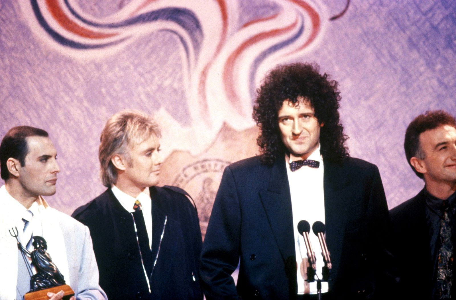 Freddie Mercury, Roger Taylor, Brian May and John Deacon - Brit Awards 1990 & 20th Anniversary of Queen