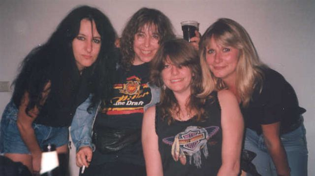 Kim McAuliffe, Denise Dufort, Kelly Johnson, Tracey Lamb, Girlschool (1993)