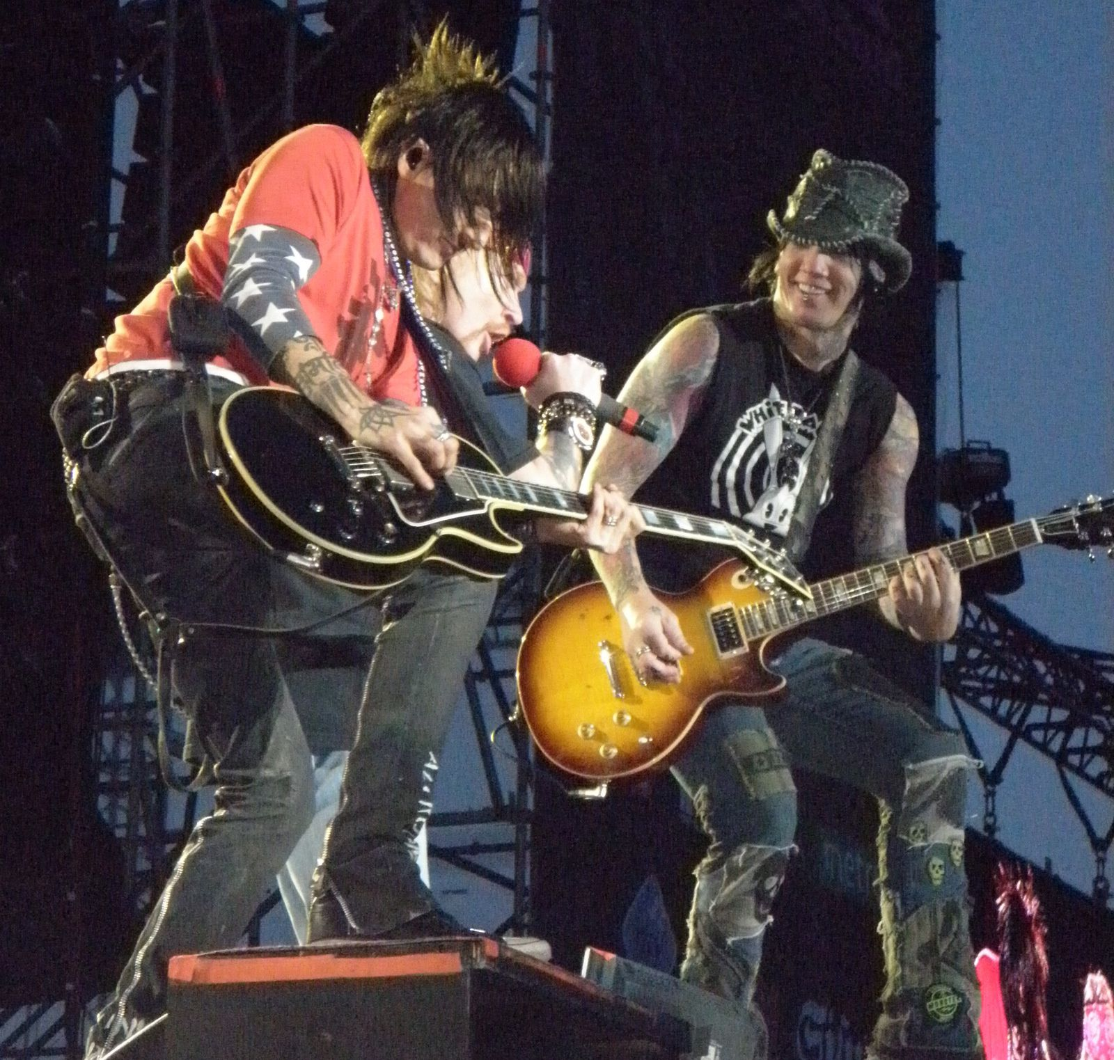 Richard Fortus, Axl Rose and DJ Ashba, live with Guns N' Roses in Helsinki on June 5th 2010