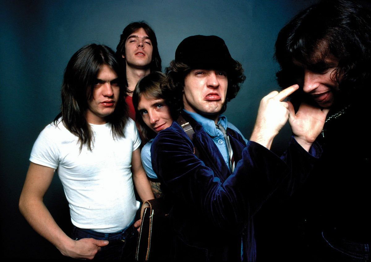 Malcolm Young, Bon Scott, Angus Young, Phil Rudd and Cliff Williams, AC/DC, Highway To Hell