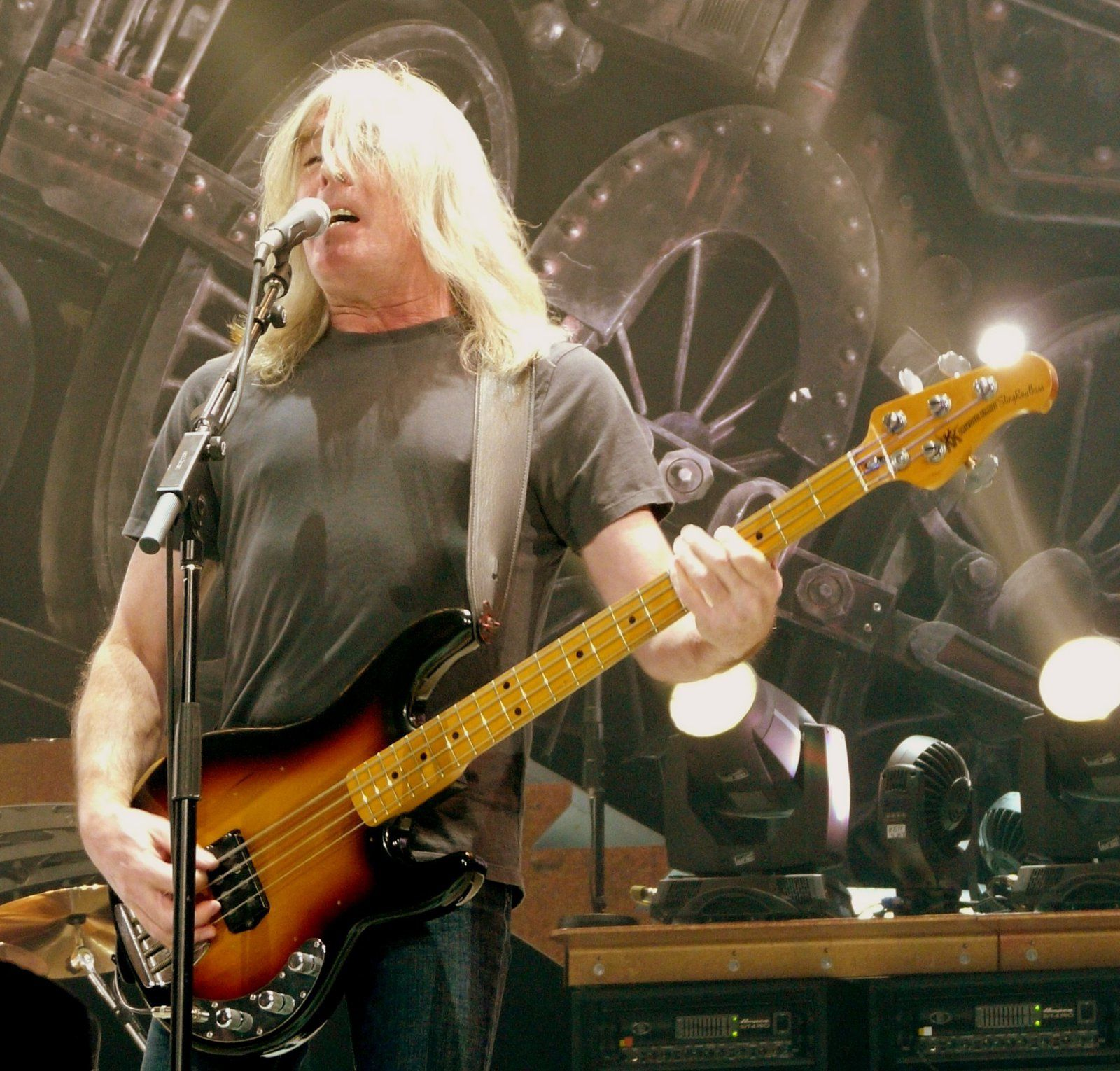 Cliff Williams performing with AC-DC on 23 November 2008 in St. Paul, MN