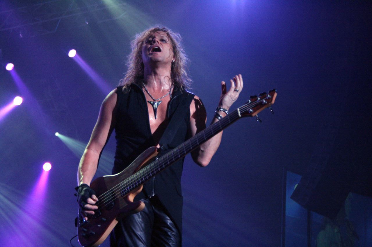 Rick Savage, Def Leppard, Live in Japan on The Sparkle Lounge Tour (2008)