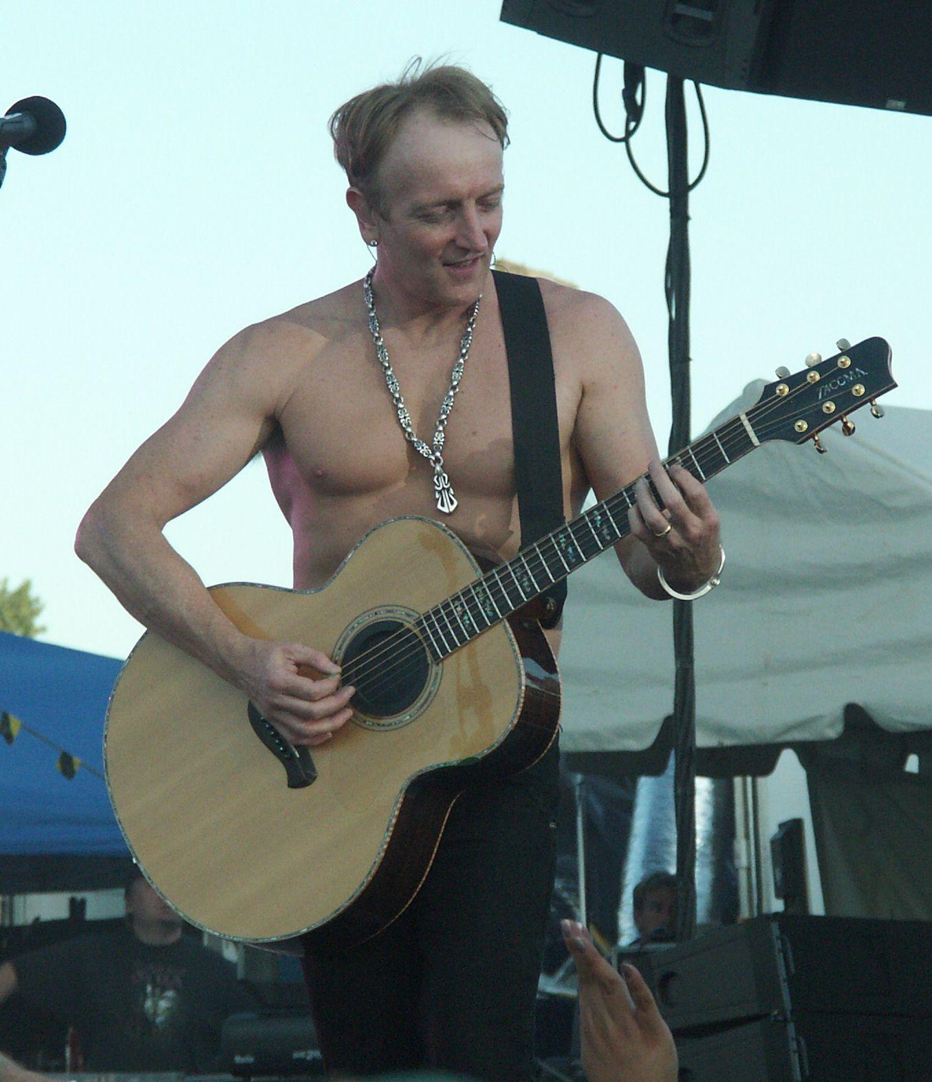 Phil Collen, North Dakota State Fair Def Leppard Concert (2007)