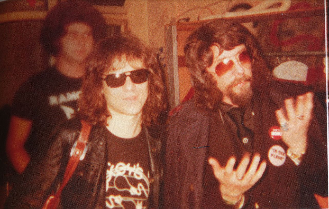Tommy Ramone with Phil Spector (1977) - The Ramones
