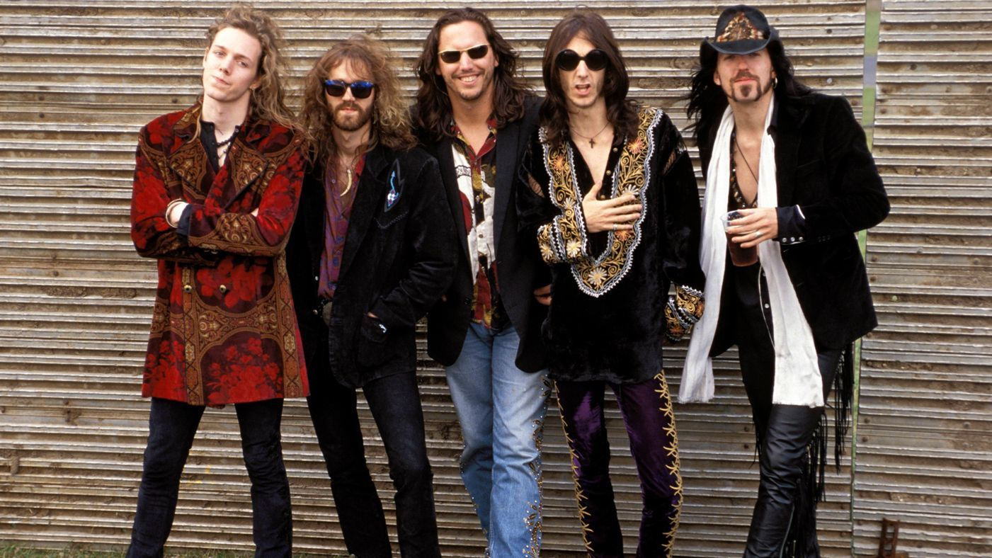 Rich Robinson, Jeff Cease, Steve Gorman, Chris Robinson, Johnny Colt (The Black Crowes, 1992)- Mick Hutson/Redferns/Getty