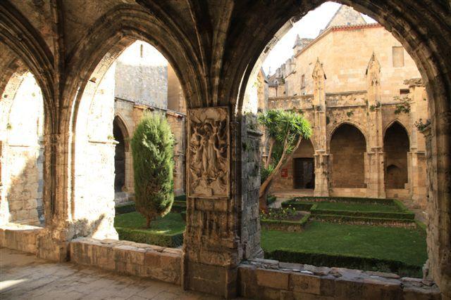 Le cloître : il a été construit entre 1349 et 1417