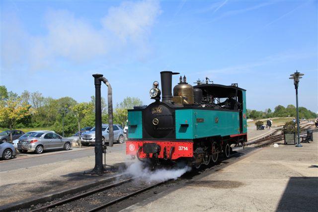 Noyelles, manœuvre de la locomotive à vapeur 031T Buffaud & Robatel n° 3714