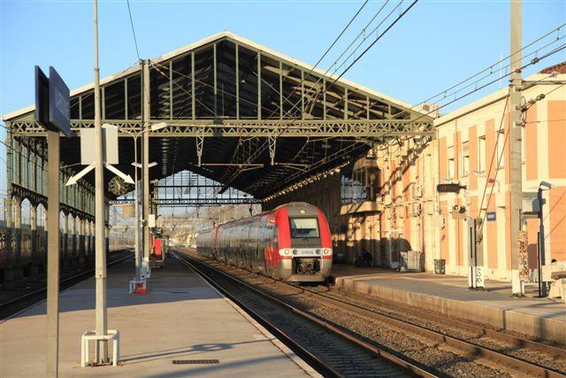 Narbonne : TER n°86989 Avignon Centre - Port Bou (8 mars)