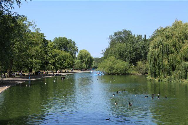 Le plan d'eau à Régent's Park