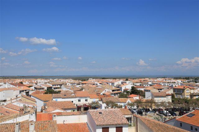 Vue côté Camargue depuis le toit de l'église des Saintes Maries de la Mer