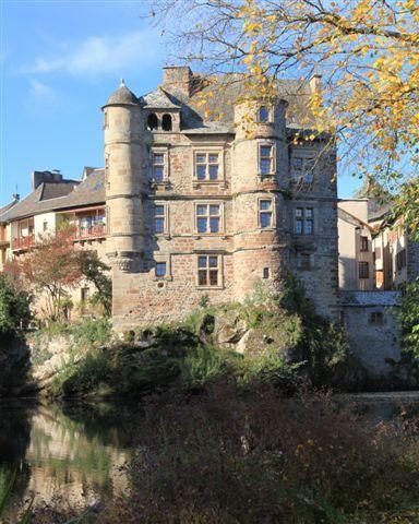 Vieux palais à Espalion