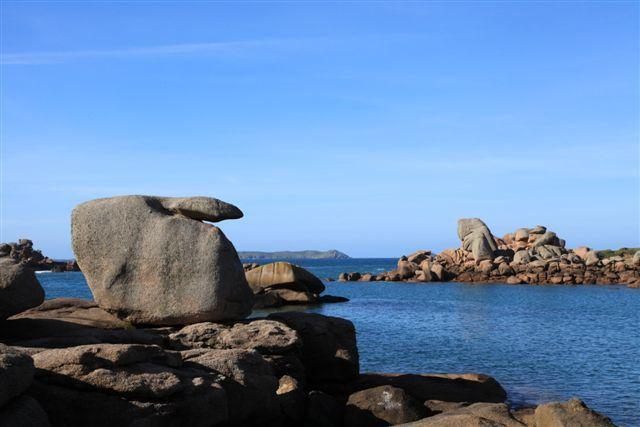 De Trégastel à Perros Guirec, la côte de granit rose par le sentier des douaniers