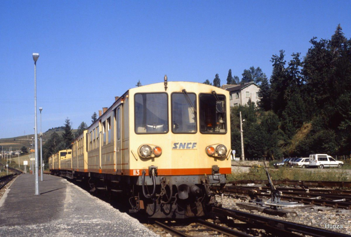 Montlouis : train jaune à destination de Font Romeu (24 août 92)