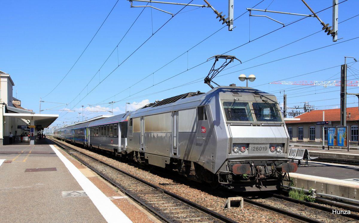 Clermont Ferrand : arrivée de l'Intercités en provenance de Paris avec la BB 26019 (4 juin 2015)