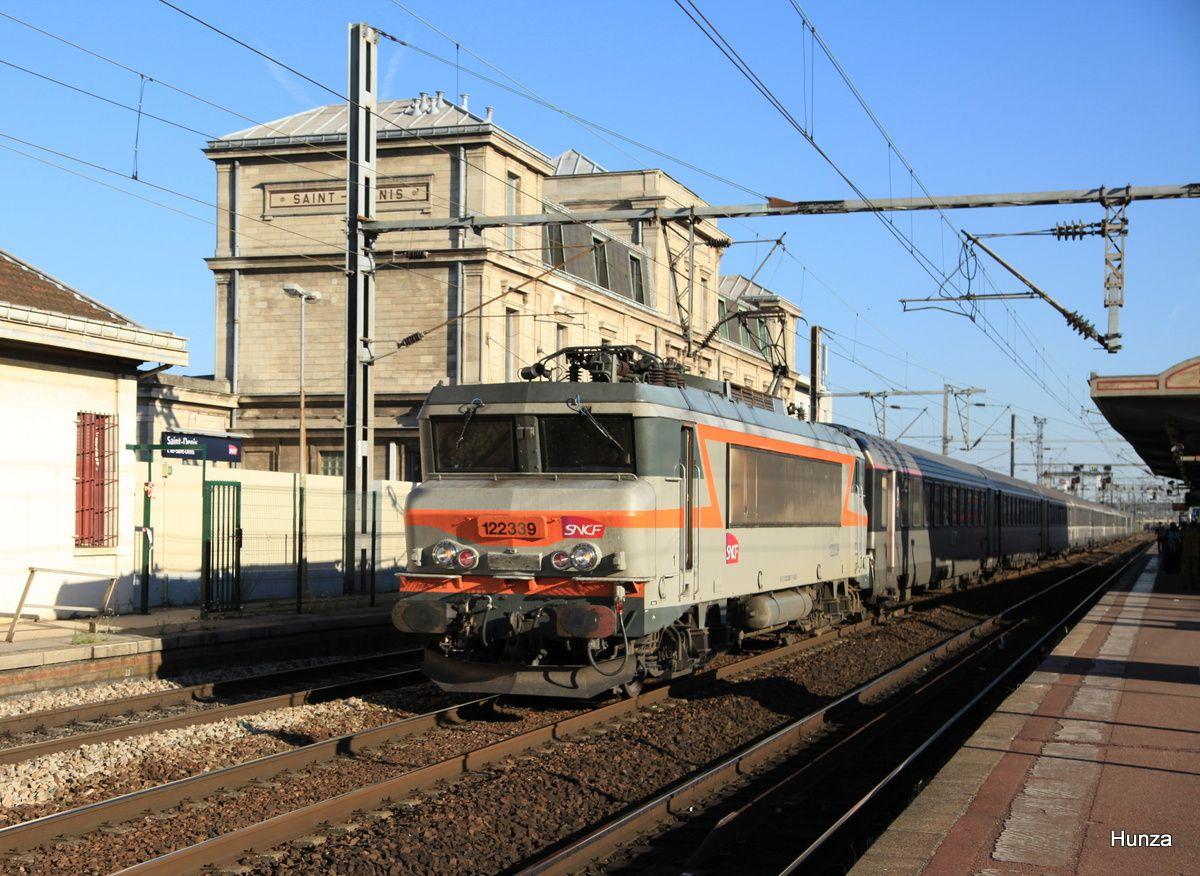 BB 22339 livrée béton à Saint-Denis (6 juillet 2015)