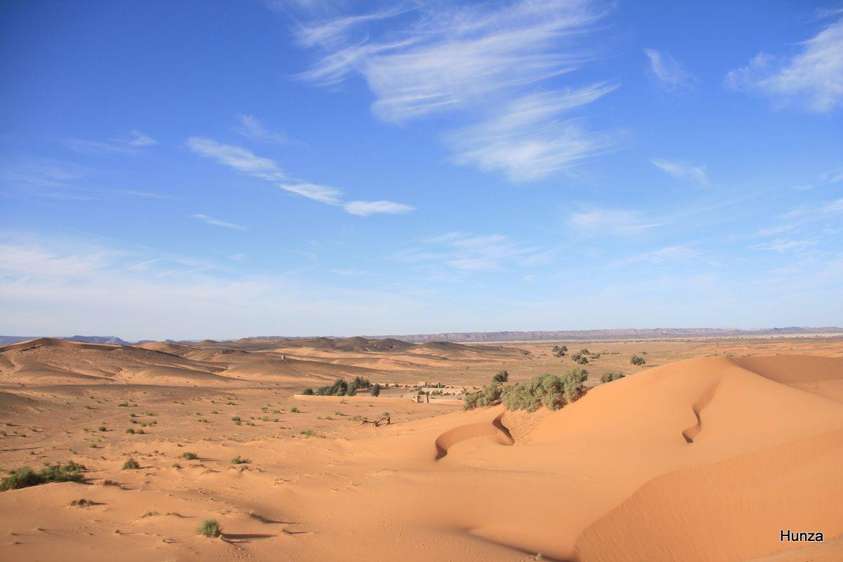 Le campement de Znaigui vu depuis les dunes