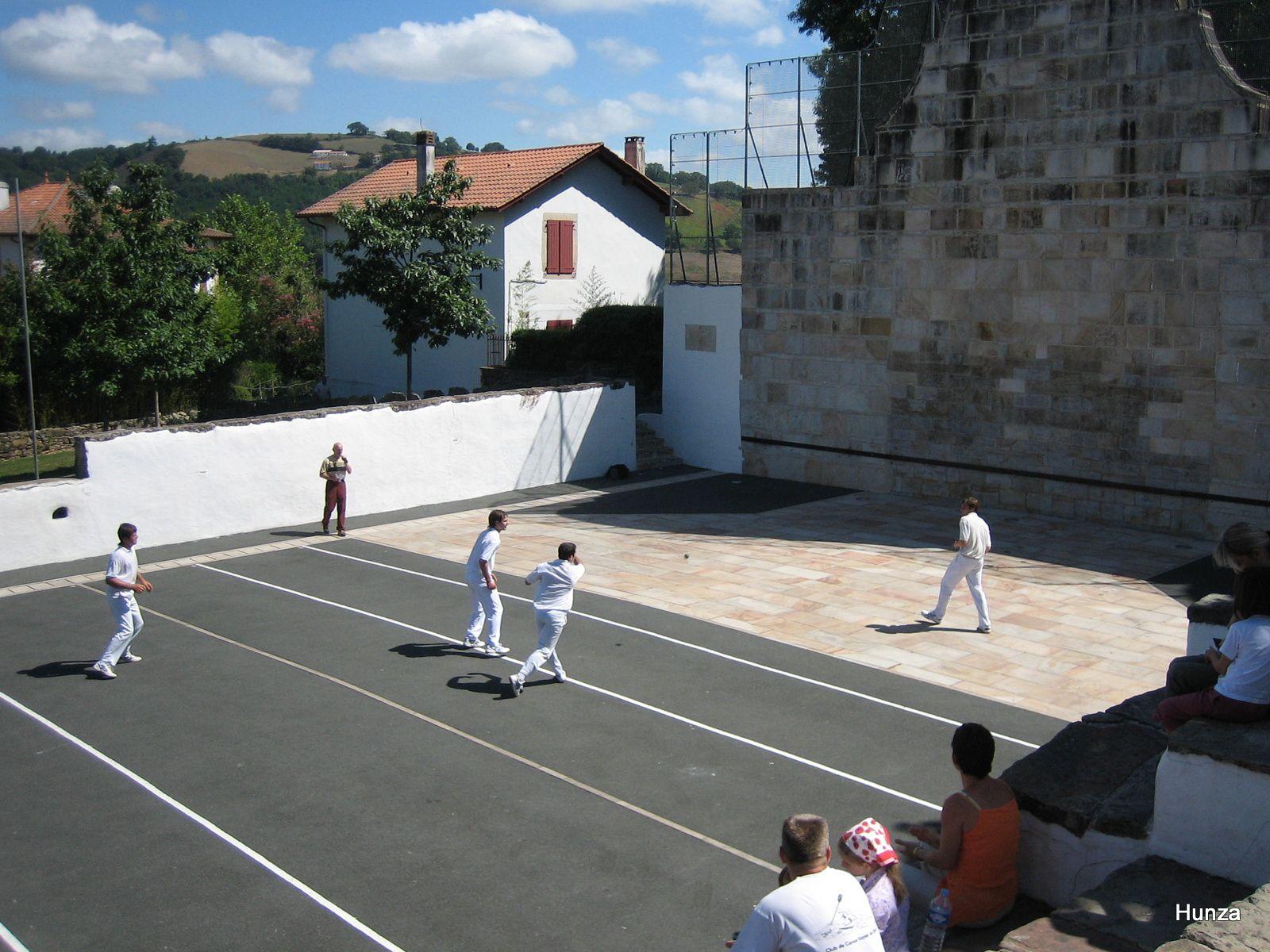 Pelote basque à l'ancien fronton (août 2005)