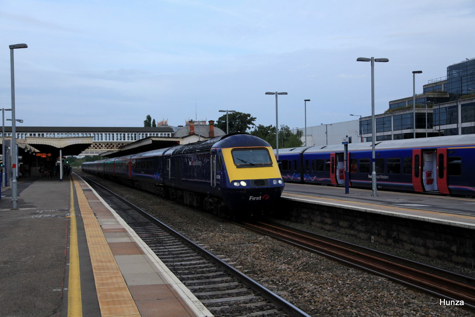 Intercity 125 de la compagnie First Great Western passant en gare de Slough