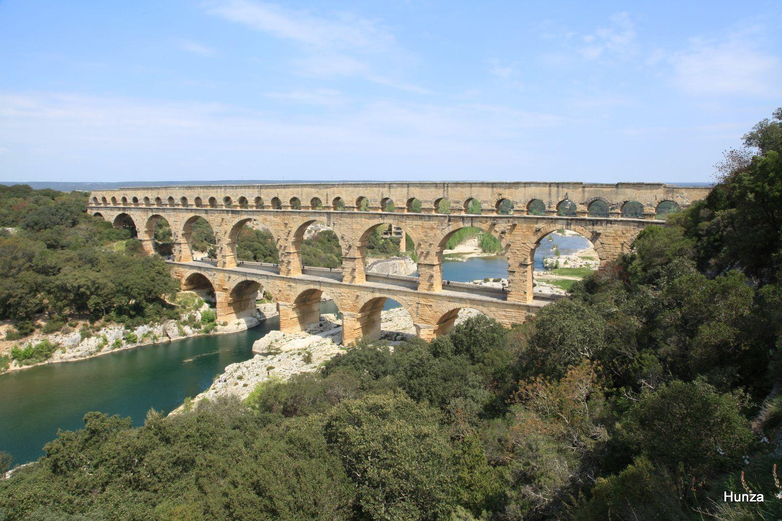 Panorama sur le Pont du Gard côté amont