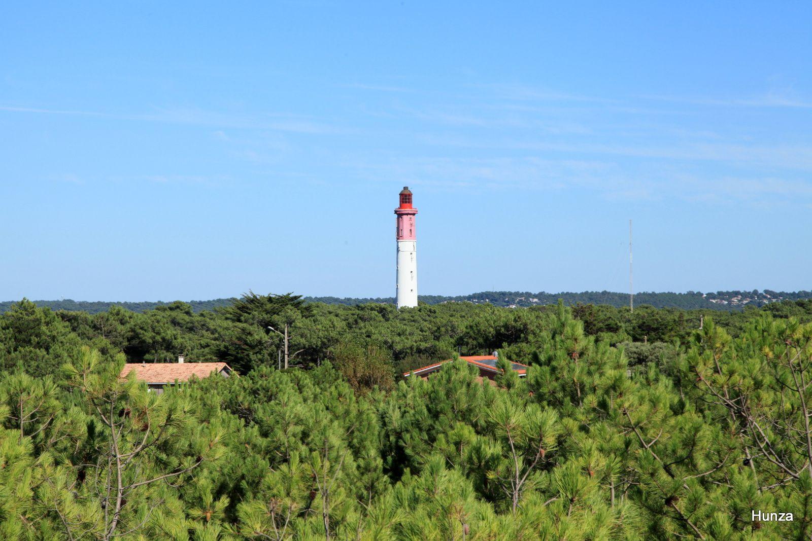 Le phare du Cap Ferret vue depuis le sentier de l'Abécédaire