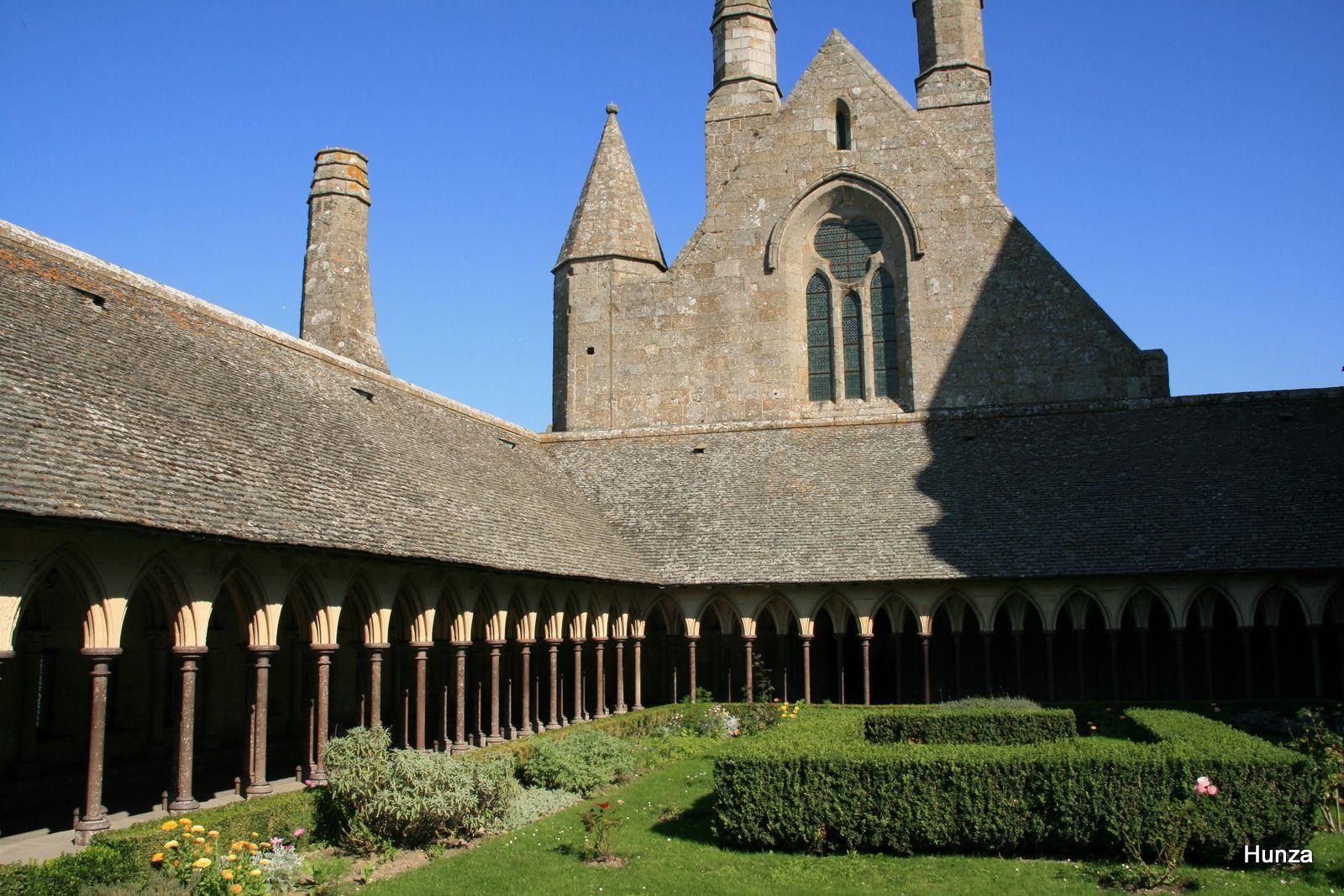 Le cloître dont la construction remonte au 13ème siècle