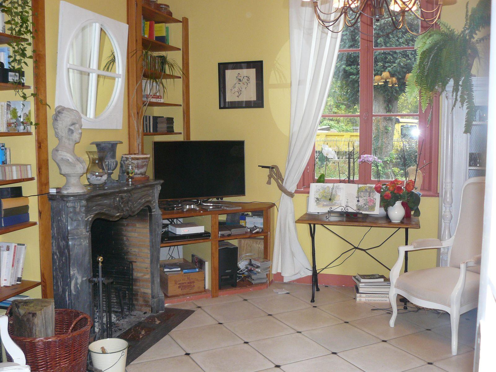 maison bourgeoise de 1881. Black Bedroom Furniture Sets. Home Design Ideas