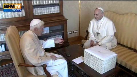 La tactique des médias en face du pape François, Par Henri HUDE.