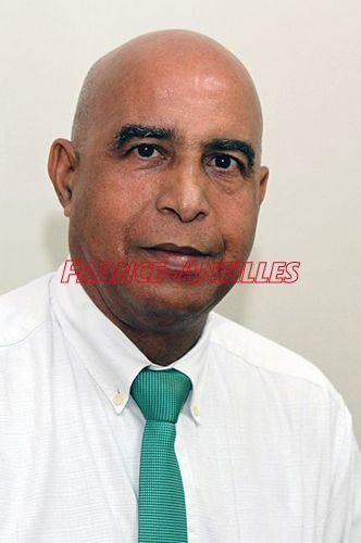 Utiles précisions d'Harry Olivier dans France -Antilles, sur la campagne électorale ( régionales ) en cours en Guadeloupe.
