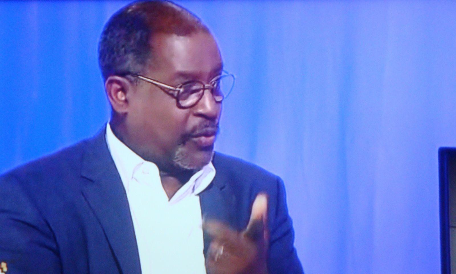 Sur Guadeloupe 1 ère : Un débat sur le projet de déchéance de nationalité.
