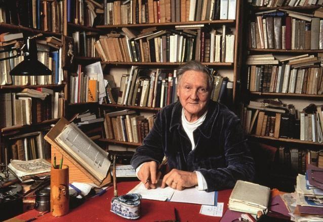 2 ) Boutang jeune. 3 ) P. Boutang dans sa bibliothèque ), à Saint-Germain en Laye.