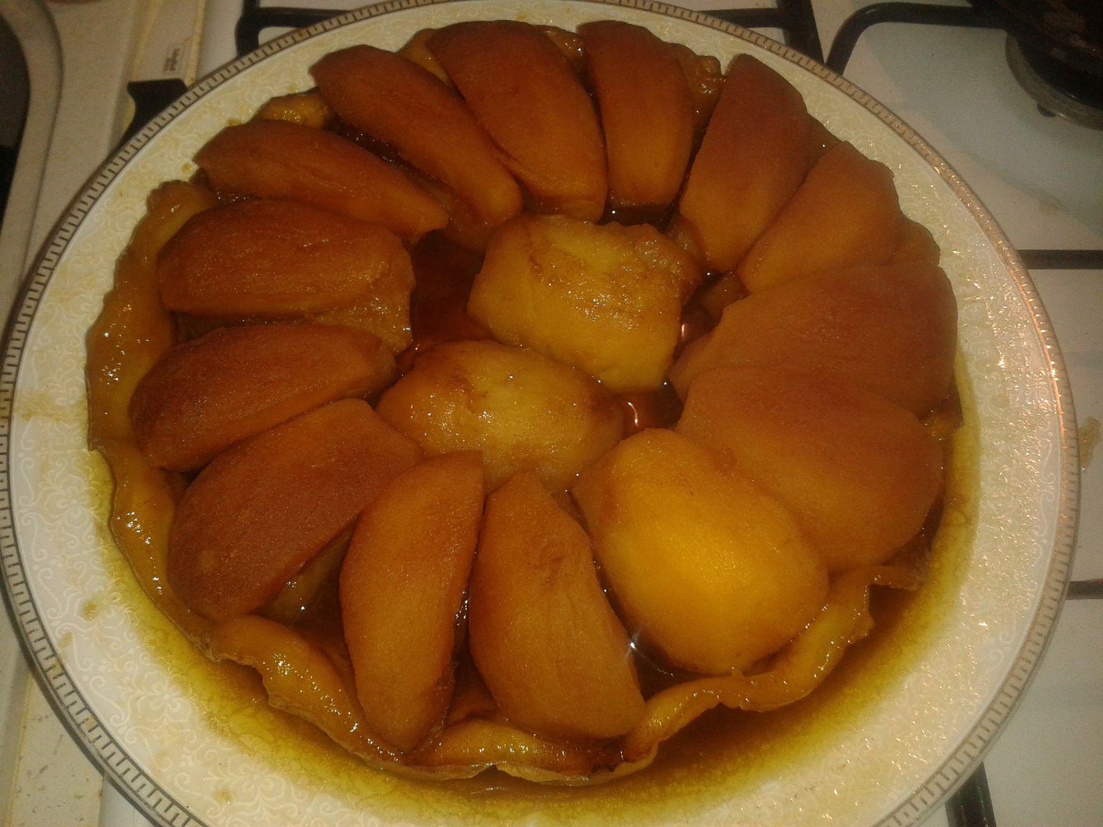 tarte tatin cuite et démoulée