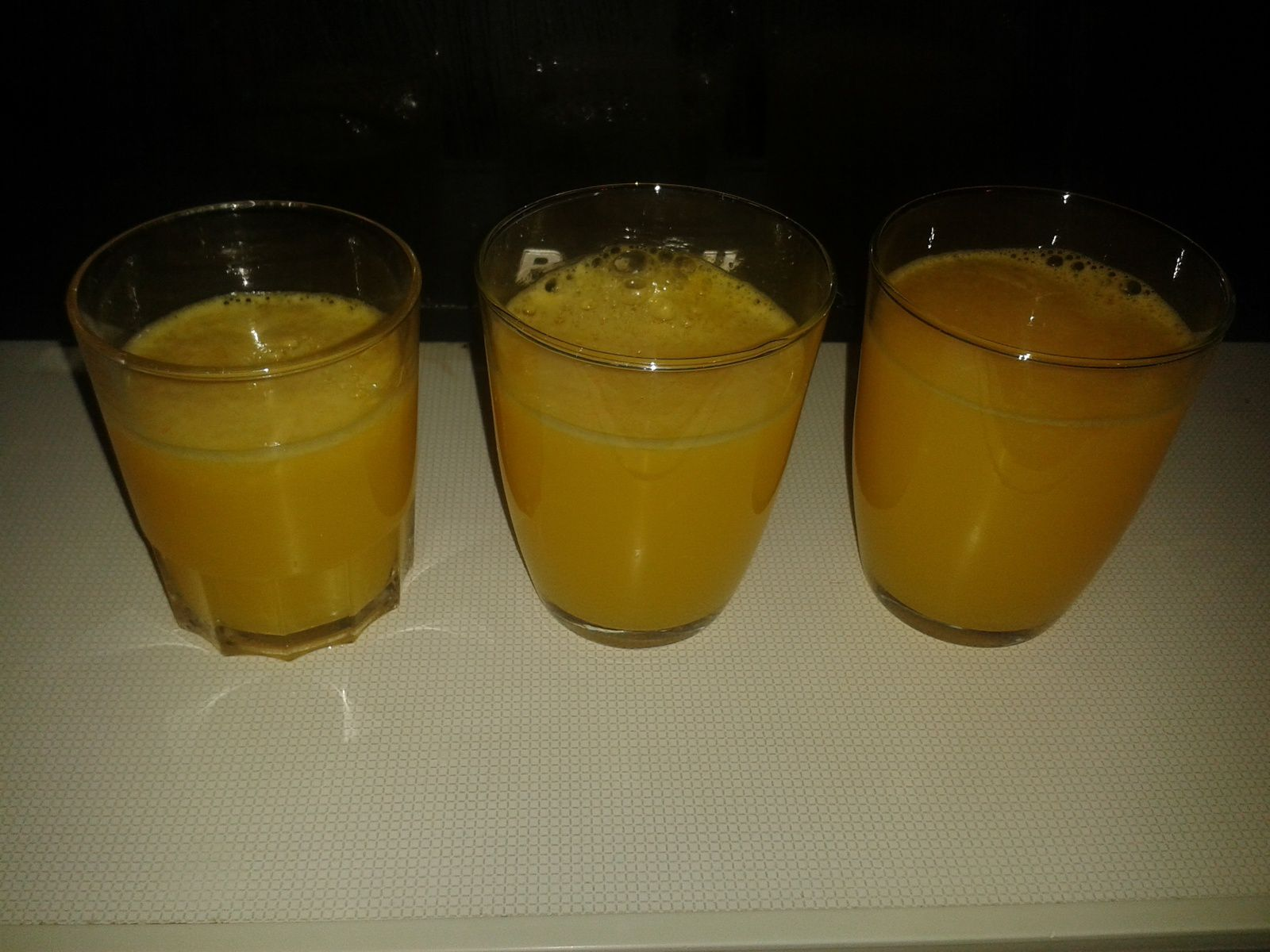 JUS D'ORANGE ET MARMELADE