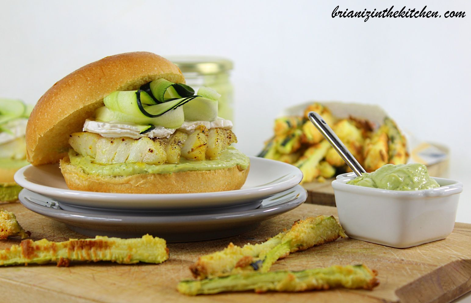 Burger cabillaud mayonnaise l 39 avocat courgettes for 94 1 the fish