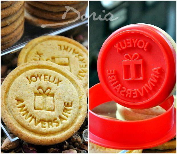 Biscuits &quot&#x3B;Joyeux Anniversaire&quot&#x3B; aux zestes d'oranges