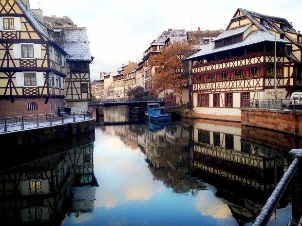 Strasbourg, la Petite France au lever du soleil...