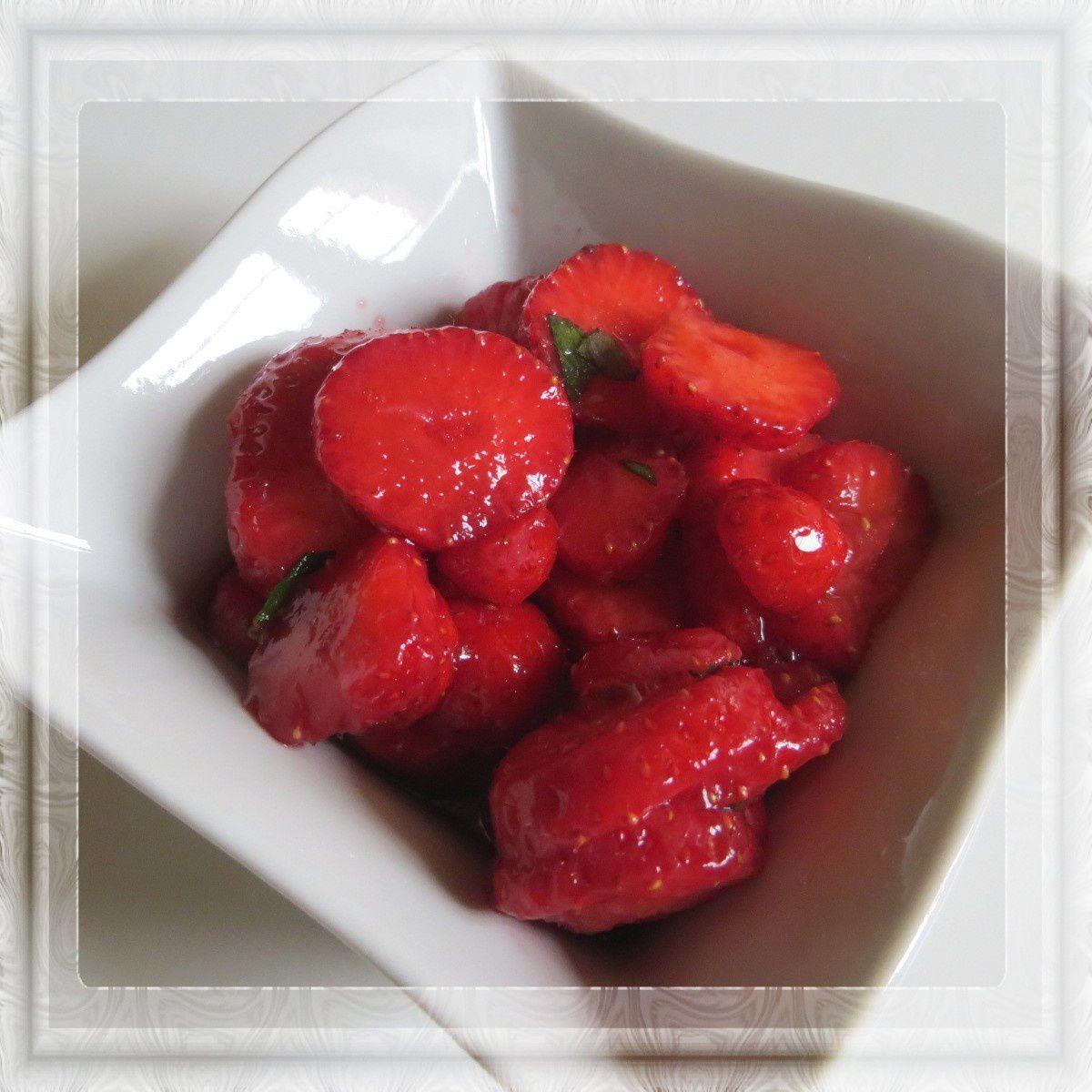 Salade de fraises à la grenadine