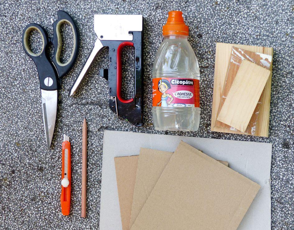 Material zur Herstellung von Stempeln für den Stoffdruck.